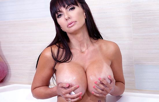 Catalina Cruz huge tits oiled Virtual Reality